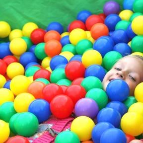 Basen z kolorowymi kulkami dla dzieci Szczecin